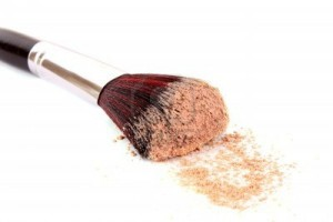 8914291-cosmetic-brush-and-powder-isolated-on-white