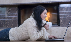 woman_computer_fireplace1
