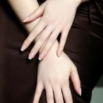 Mâini frumoase, cu manichiură franțuzească