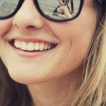 ochelari de soare tip wayfarer cu reflexii si efect de oglinda