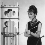audrey hepburn tinuta din breakfast at tiffany s