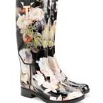 cizme lungi negre din cauciuc pentru ploaie cu imprimeu floral romantic