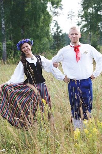 cum se imbraca mireasa in estonia