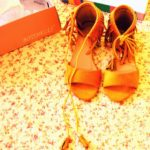 sandale boho cu snururi si franjuri galben mustar