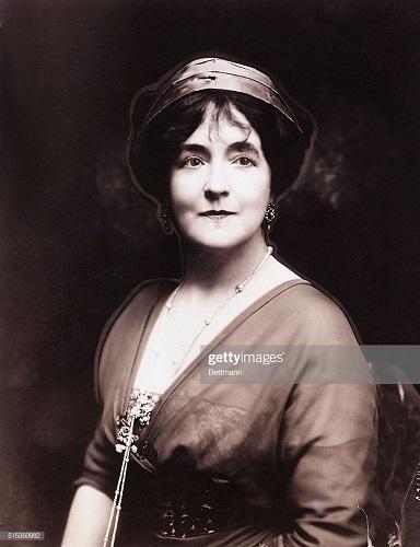 Lady Lucy Duff Gordon cea care a menținut moda couture în timpul Primului Război Mondial