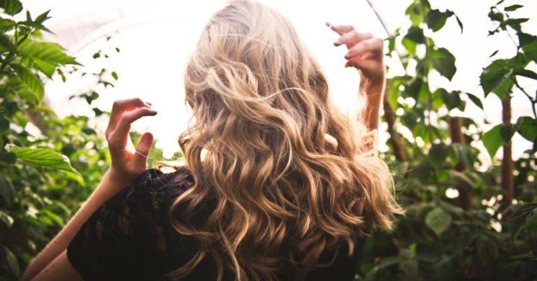 cum îngrijești și previi părul deteriorat