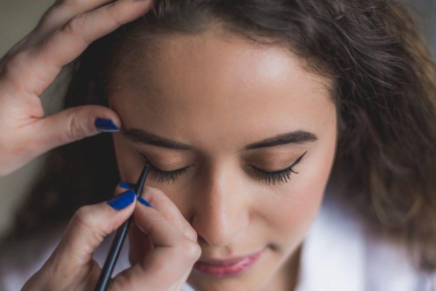 greșeli când aplici eyeliner_creion de ochi