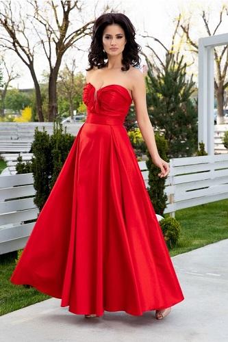 rochie de bal roșie potrivită femeii Berbec