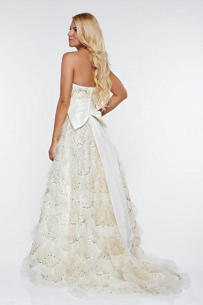 rochie de mireasă cu auriu și în nuanțe metalice
