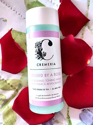 review apă tonică Cremeria Kissed by a rose cu extract de trandafir de Damasc