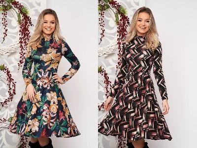 rochie cloș midi tricotată cu mâneci lungi și imprimeu
