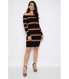 rochie-pulover-neagra-cu-dungi-colorate-si-cu-umerii-goi