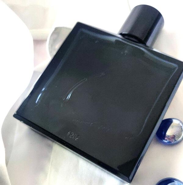 Bleu de Chanel parfum de bărbați pentru orice anotimp