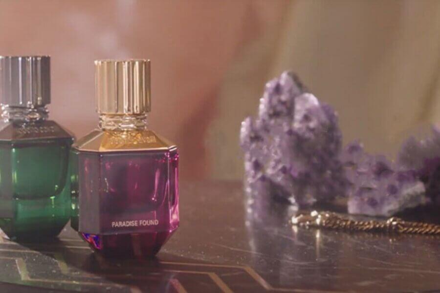 Roberto Cavalli a lansat parfumuri Paradise Found pentru el și ea, inspirate de Eden