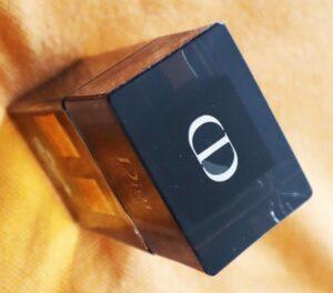 Dior Homme Intense Eau de Parfum_detalii sticlă_logo capac