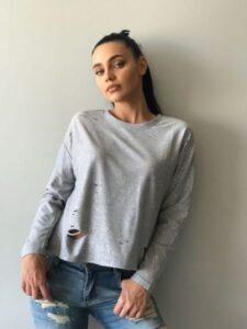bluză sport-casual ieftină cu rupturi și sclipici