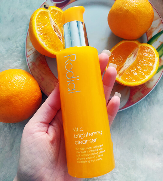 gel de curățare exfoliant Rodial Vit C Brightening Cleanser_review și păreri