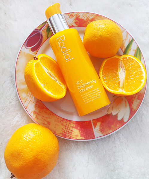 gel de curățare exfoliant Rodial Vit C Brightening Cleanser_review_este eficient