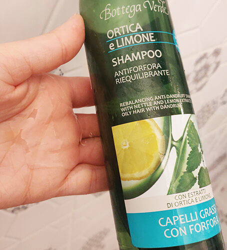 șampon antimătreață Bottega Verde Ortica e Limone_textură și formulă