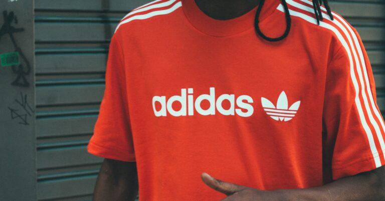 povestea brandului Adidas și cum a ajuns atât de faimos brandul