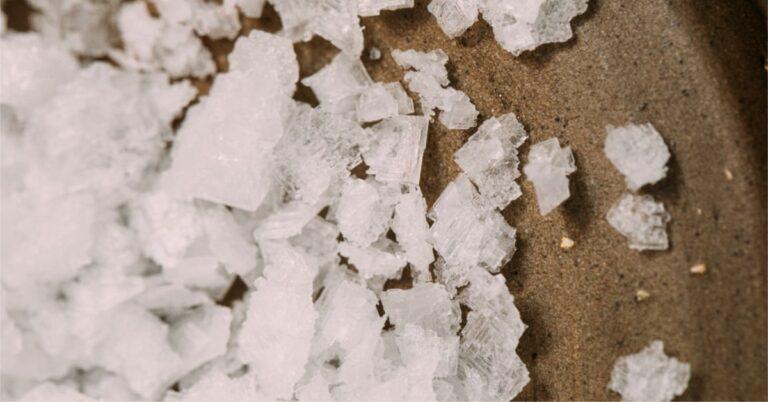scrub exfoliant homemade cu sare marină